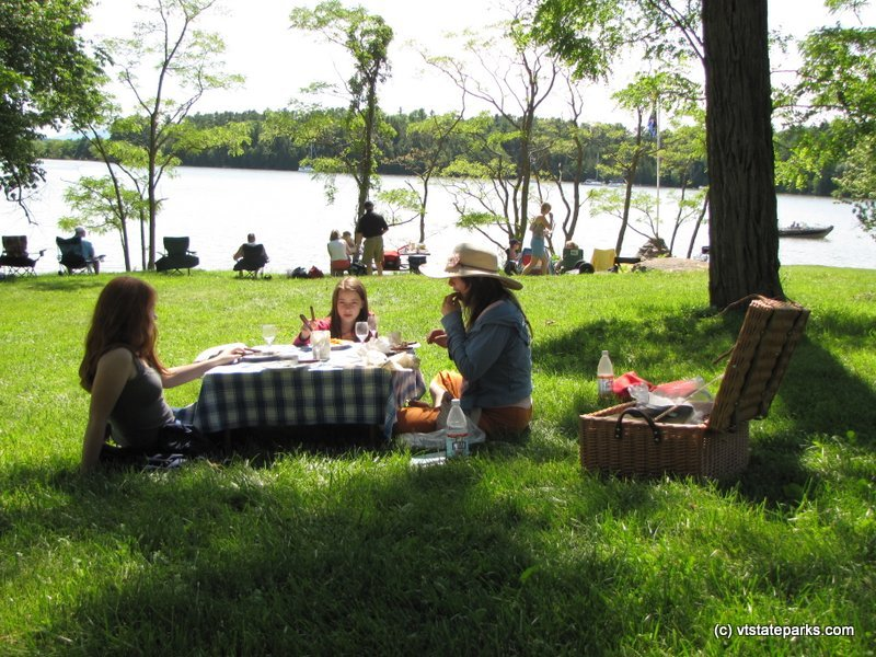 Photo: Beautiful day and spot for a picnic at Kingsland Bay State Park
