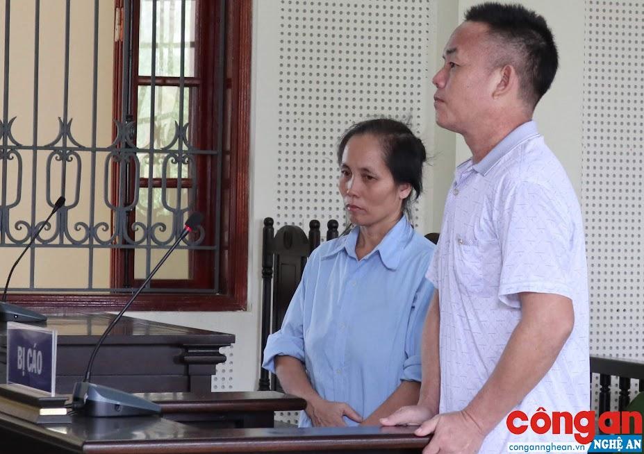 Vợ chồng Lầu Giống Lồng và Hờ Y Cở tại phiên tòa