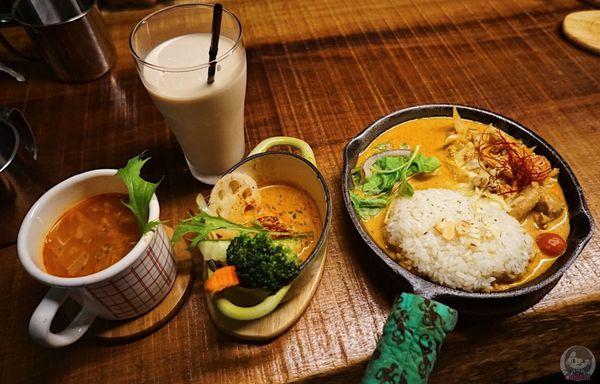 [食記/新北淡水]野營咖哩Kyanpu Curry 捷運淡水站 淡水老街 滿滿幸福感的小農野味咖哩