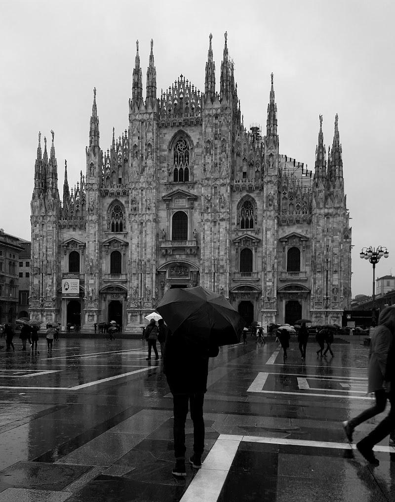 Rain in Milan di Ilaria Fusillo