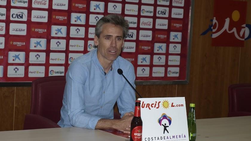 Miguel Ángel Corona en rueda de prensa.