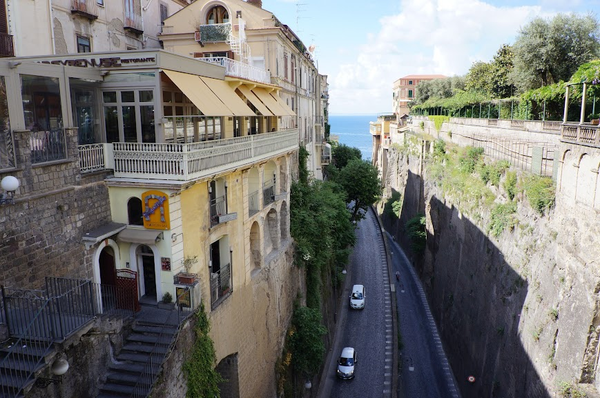 Roadways along the narrow cliffs of Sorrento, Italy (2015)