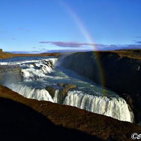 【世界の絶景】エネルギッシュな大自然の宝庫アイスランドで味わう絶景の滝3選