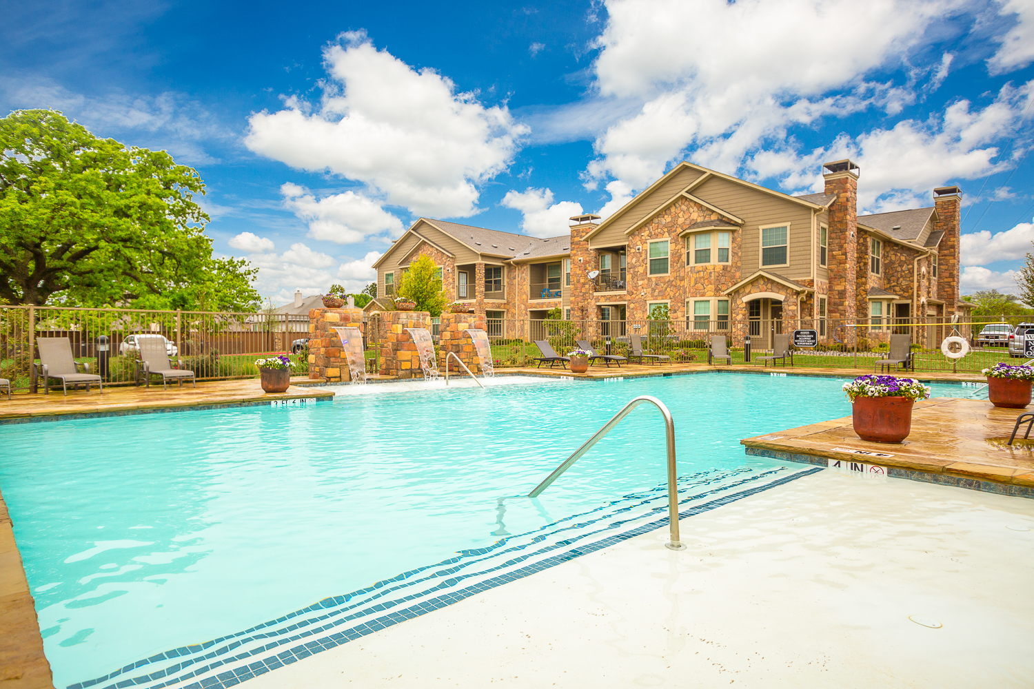 Apartments In Hickory Creek