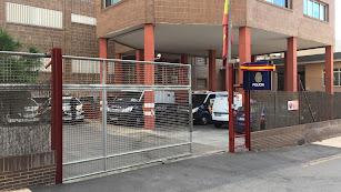 Acceso a calabozos y patio de la Comisaría de Almería.