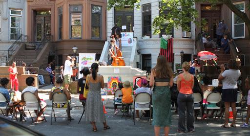 STooPS BedStuy Art Crawl brings public art performances to Brooklyn's front door