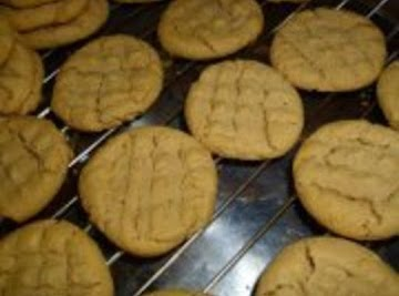 Easy Peanut Butter Cookies Recipe