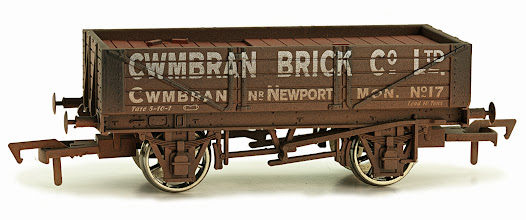 Photo: 4F-040-012  4 Plank Wagon