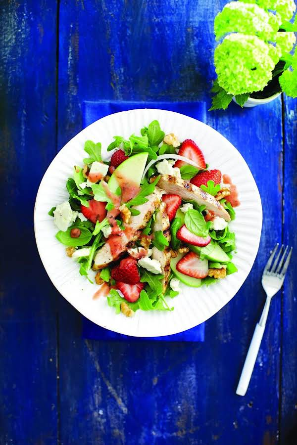 Grilled Chicken And Strawberry Salad Recipe