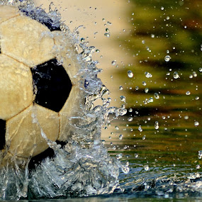 Explosion by Dhruva Chandramouli - Artistic Objects Other Objects ( water, splash, football )
