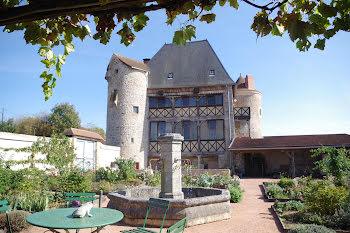 château à Corbigny (58)