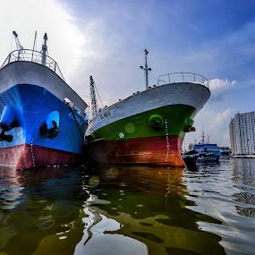 Port Sunda Kelapa by Hery Sulistianto - Transportation Boats
