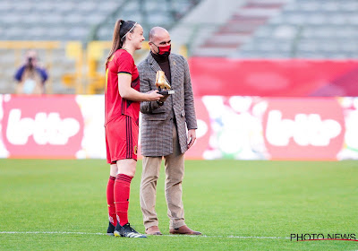 """Tine De Caigny krijgt haar Gouden Schoen: """"Een hele eer"""""""