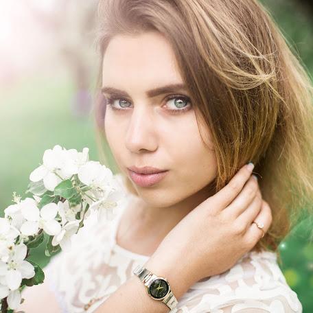 Wedding photographer Veronika Kazanceva (nikky). Photo of 13.05.2017