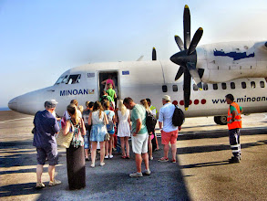 Photo: Самолет доставит на Санторини за 20 минут