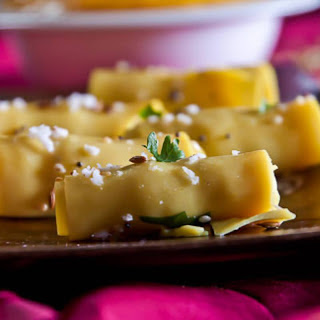 Gujarati Khandvi Recipe (Savory Gram Flour Pin Wheels)