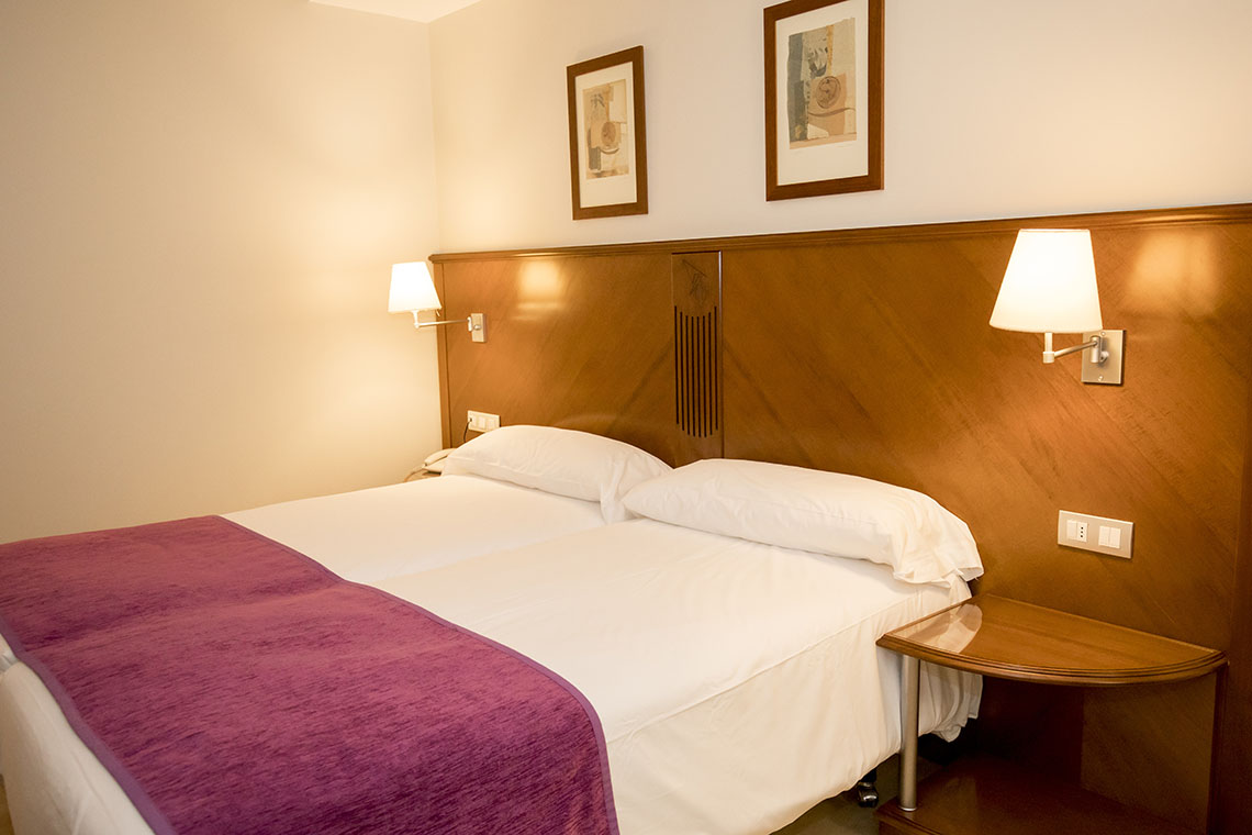 Double room in a 4* hotel - Andorra