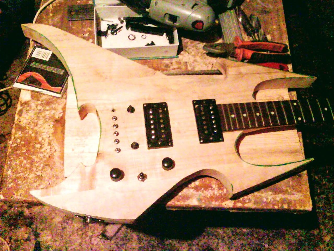 Гітара з начинкою
