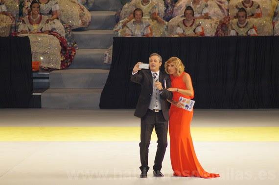 Los presentadores: Carme Bort y Ximo Rivera. #Seda