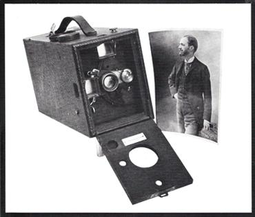 Resultado de imagem para cameras kodak  caixote ilustrações