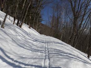 スキー跡を追い下山