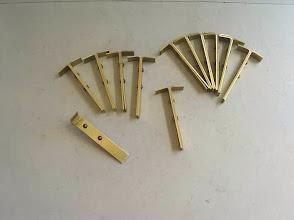 Photo: Les rayons sont assemblés 2 par 2 par rivetage