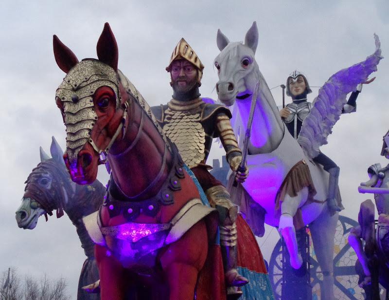 Carnevale, carta pesta, cavalli, coriandoli,....contest di FLORANS