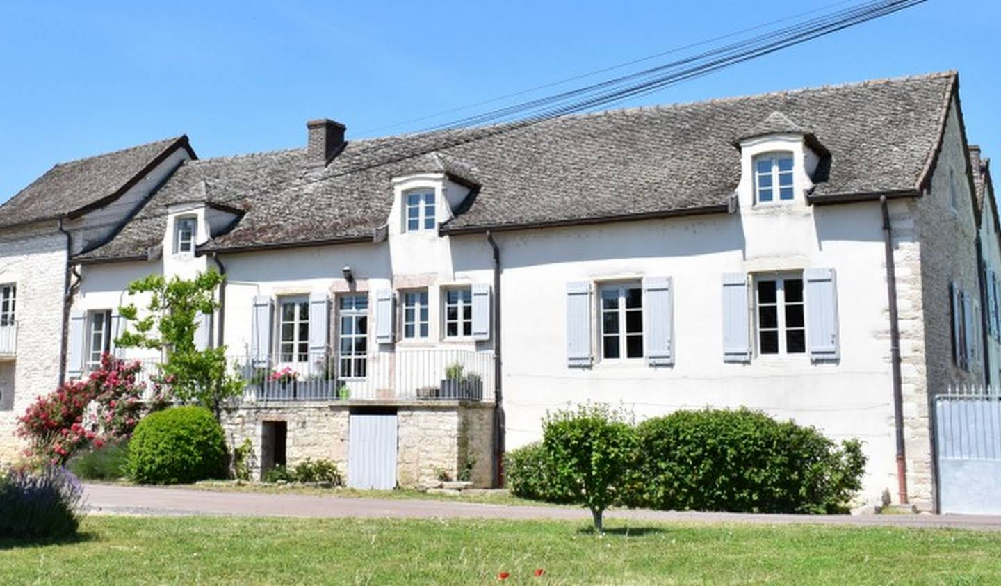 House Givry
