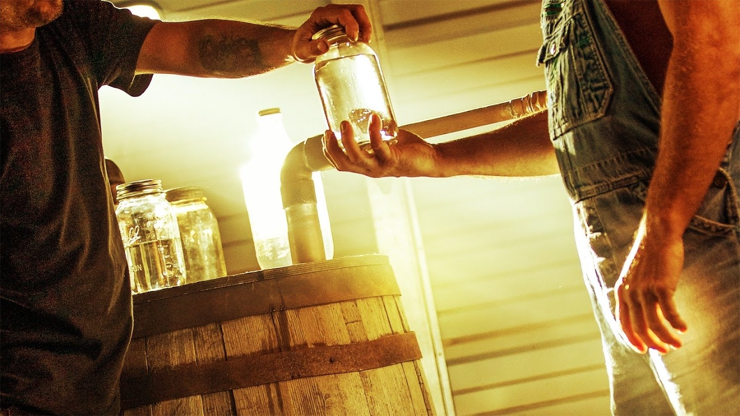 Watch Moonshiners: Whiskey Business live