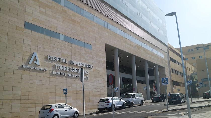Fachada del Hospital Materno Infantil de Almería.