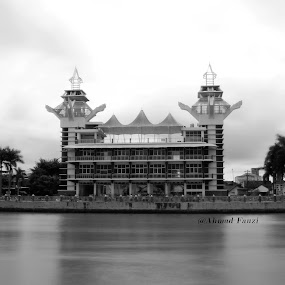 Menara Pandang by Uze El-ersyadie - Buildings & Architecture Public & Historical ( building, black and white, bw, photography, river,  )