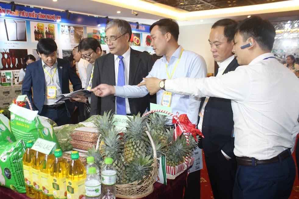 Nhiều sản phẩm nông nghiệp theo chuỗi giá trị của Nghệ An được trưng bày tại Hội nghị gặp gỡ Nghệ An - Nhật Bản: Hợp tác và phát triển