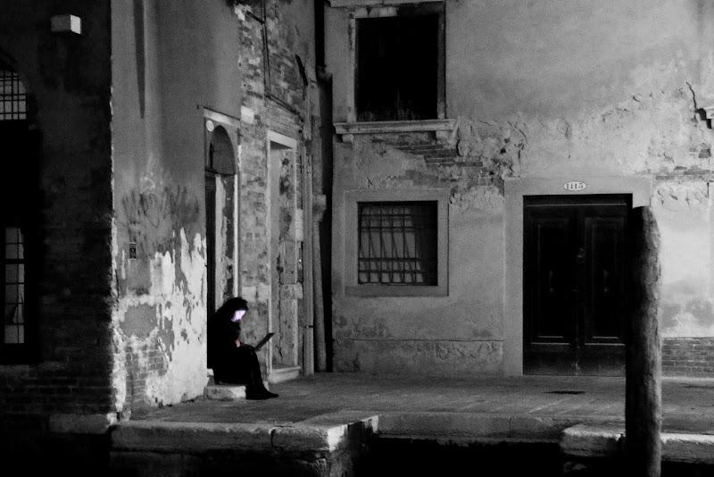 Venice night chat di Zola Lorenzo