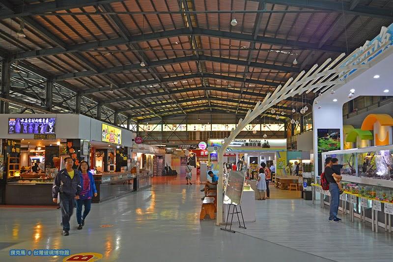 台灣玻璃館商品展示區