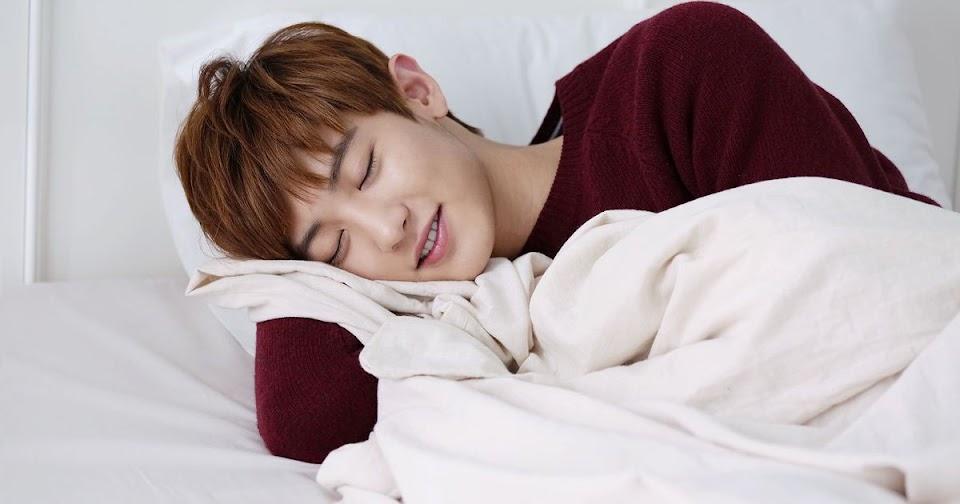 chanyeol sleep