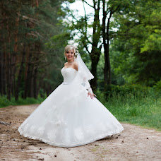 Wedding photographer Oksana Ryabovol (oksss12333). Photo of 04.06.2016