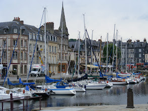Photo: On the other side (the St-Etienne Quay) are the considerably-better-appointed stone homes of former ship owners and wealthy merchants.
