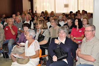 Photo: Une assemblée nombreuse à l'écoute.....