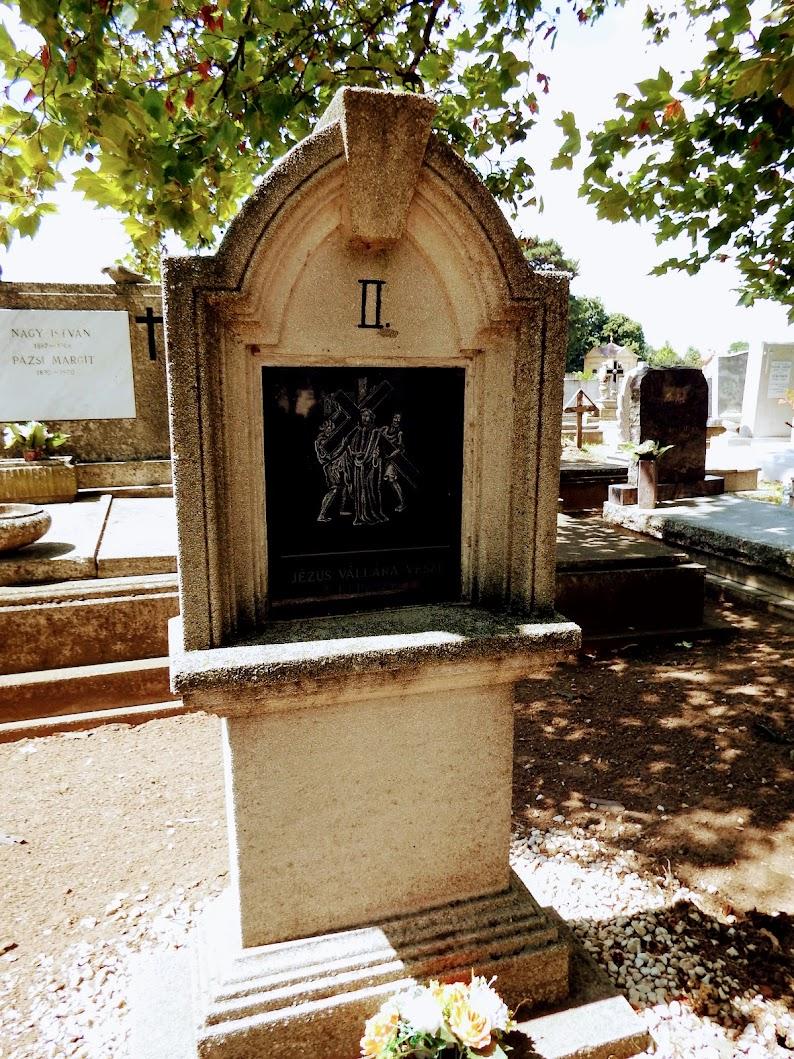 Monor - Rácz kápolna és keresztút a temetőben