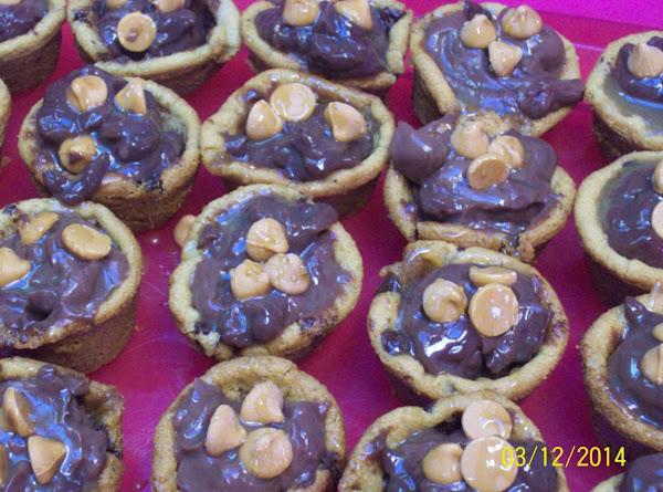 Pms  Turtle Cookie Pies :) Recipe