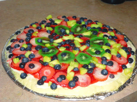 Fruit Pizza with Sugar Cookie Crust Recipe