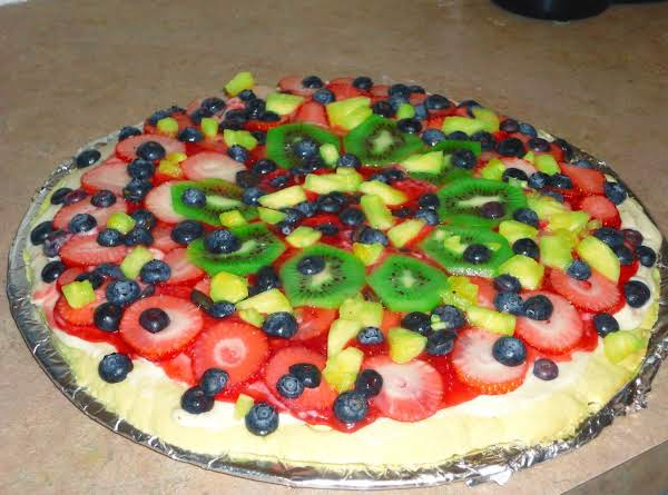 Fruit Pizza On Sugar Cookie Crust