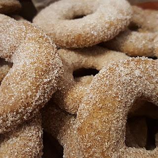 Cinnamon Rings – Austrian German Christmas Cookies.