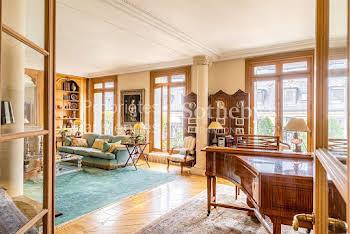Appartement 6 pièces 270 m2