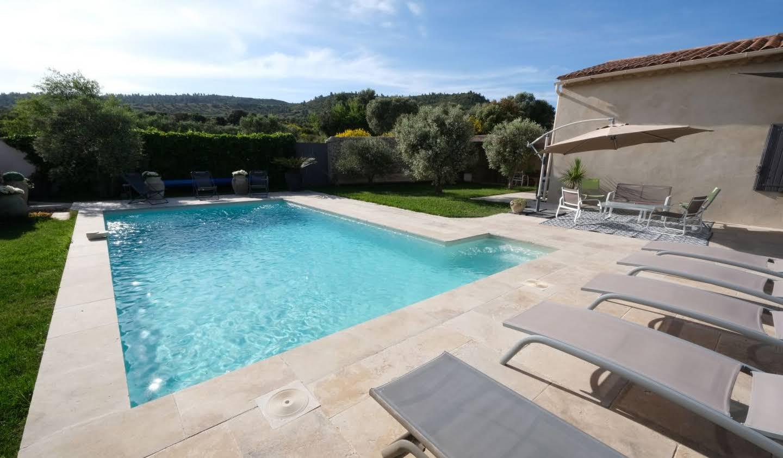 Villa avec piscine et jardin Aureille