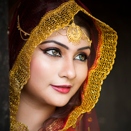 by Red Photography - Wedding Bride (  )