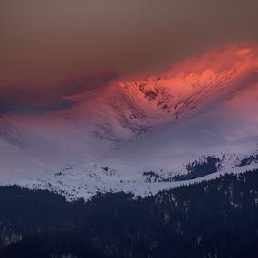 Felinarul... by Adrian Urbanek - Landscapes Mountains & Hills