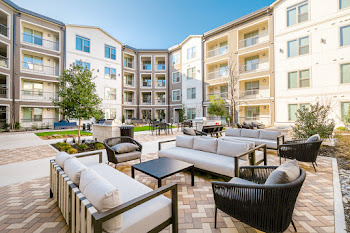 Go to Inkwell Watters Creek Apartments website
