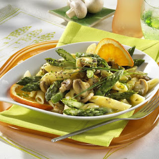 Quick Penne with Asparagus and Mushrooms