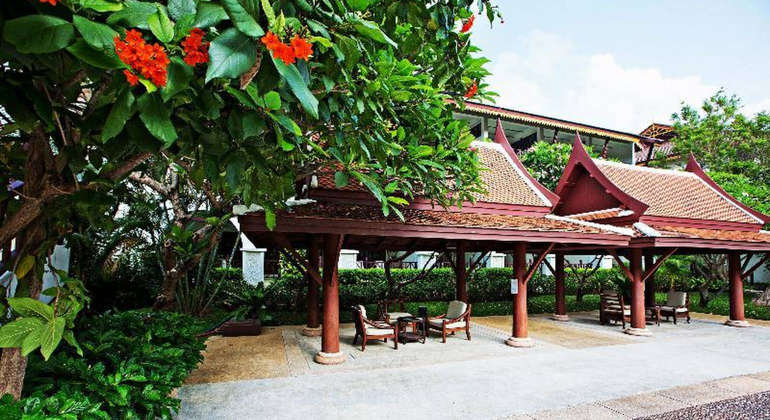 Imperial Boat House Beach Resort